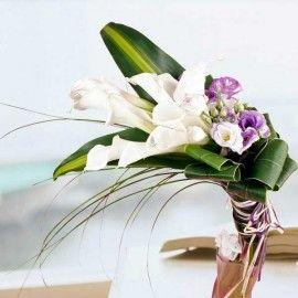 10 White Calla Lilies Handbouquet