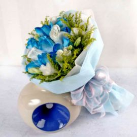 12 Blue Roses with White Eustoma Handbouquet