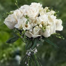 12 White Roses With Freesia Flowers Bouquet Delivery In Singapore