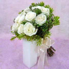 12 White Roses with lanuginosa