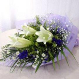 3 Lily with forget-me-not Handbouquet