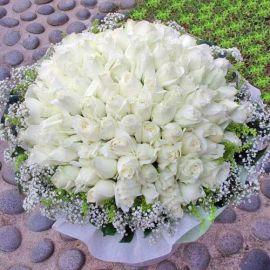 99 White Roses Handbouquet