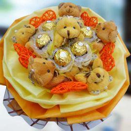 6 Mini Bear 6 Rocher & 5 Heart-Shape Tag Hand Bouquet