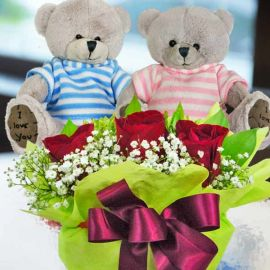 I Love You Couple Bear 13cm with 3 red roses arrangement