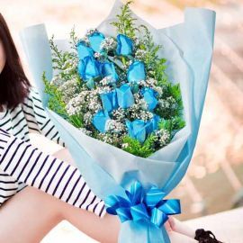 12 Blue Roses Long Wrapping Hand Bouquet