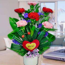 6 Mixed Carnation table arrangement