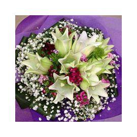 9 Lily Handbouquet