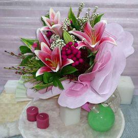 3 Pink Lily Handbouquet