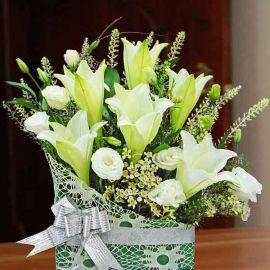6 White Lilies Table Arrangement