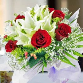 6 Red Roses 6 White Lilies Handbouquet