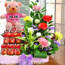 16cm Love Bear With Carnations & bird's nest