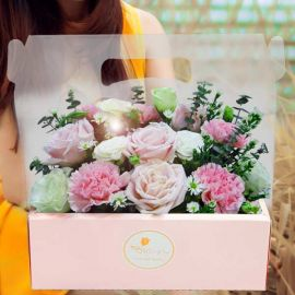 Roses & Carnation in Hand Carry Gift Box