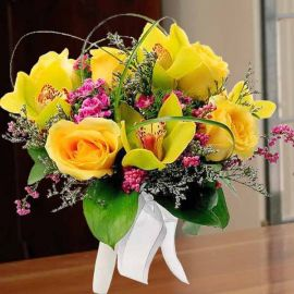 Cymbidium Orchid Green With Yellow Roses Bouquet (Need 3 Days Advance Order)