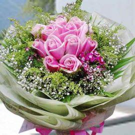 12 Sweet Pink Roses Handbouquet