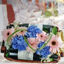 Red & White Wines With Flowers
