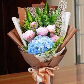 Peony & Blue Hydrangeas Handbouquet