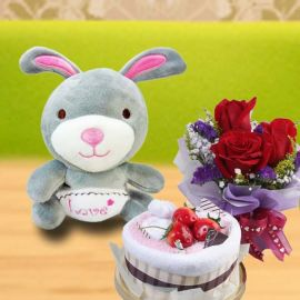 "Cake Made By Towels, (Me 2U) 5"" Bear & 3 Roses"